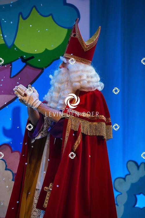 DRONTEN - Woezel en Pip hebben een speciale Sinterklaasuitvoering gedaan. FOTO LEVIN & PAULA PHOTOGRAPHY