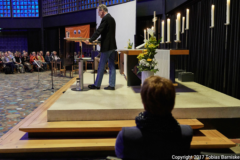 Bernhard Schlink, lawyer and also a well known author, delivered an interpretation of a bible passage at the Kaiser Wilhelm Memorial church.
