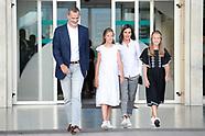 082719 Spanish Royals visit King Juan Carlos at hospital