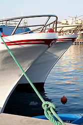 Dettagli delle imbarcazioni da pesca ormeggiate nel porto di Gallipoli (LE)