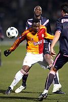 Fotball<br /> Frankrike<br /> Foto: DPPI/Digitalsport<br /> NORWAY ONLY<br /> <br /> FOOTBALL - UEFA CUP 2008/2009 - 1/16 FINAL - 1ST LEG - 18/02/2009 - FC GIRONDINS BORDEAUX v GALATASARAY SK - SHABANI NONDA (GAL) / ALOU DIARRA (BOR)