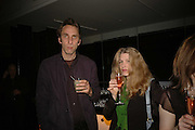 Will Self and his wife Denorah Orr, Launch of Tat Modern's rehang of its permanent Collection in partnership with UBS. Tate Modertn. 23 May 2006. ONE TIME USE ONLY - DO NOT ARCHIVE  © Copyright Photograph by Dafydd Jones 66 Stockwell Park Rd. London SW9 0DA Tel 020 7733 0108 www.dafjones.com