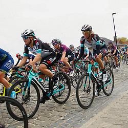 04-04-2021: Wielrennen: Ronde van Vlaanderen (Vrouwen): Oudenaarde<br />Passage Haaghoek, Grace Brown; Moniek Tenniglo