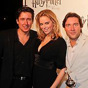 NLD/Utrecht/20101116 - Premiere Harry Potter, Oscar en Renzo Kazan met parter Mara