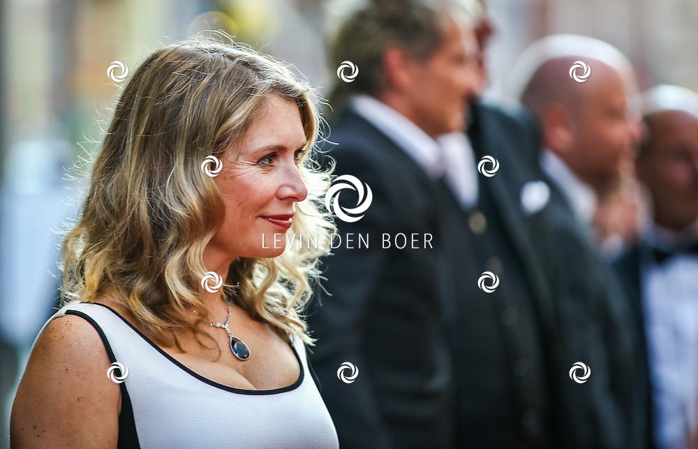 AMSTERDAM - De Nederlandse premiere van Elle, de nieuwste film van regisseur Paul Verhoeven. Met hier Elle van Rijn  op de rode loper. FOTO LEVIN & PAULA PHOTOGRAPHY