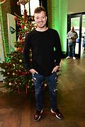 De 8e editie van Sky Radio's goede doelen-event Christmas Tree For Charity in The College Hotel, Amsterdam.<br /> <br /> Op de foto:  Gers Pardoel namens Villa Pardoes