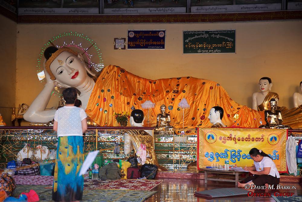 Reclining Buddha, Shwedagon Pagoda