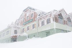 THEMENBILD - In der Steiermark sorgt heftiger Schneefall und Sturm für Behinderungen im öffentlichen Leben und im Straßenverkehr. Hier im Bild Schnee und Sturm bei der Schladminger Hütte auf der Planai, aufgenommen am Samstag 5. Jänner 2019 auf der Planai in Schladming, Steiermark // In Styria heavy snowfall and storms create disabilities in public life and in traffic. Snow and storm around the Schladminger Hütte on the Planai, pictured on Saturday 5. January 2019 in Schladming, Steiermark. EXPA Pictures © 2019, PhotoCredit: EXPA/ Martin Huber