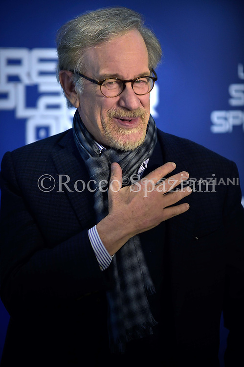 US director Steven Spielberg poses during a photocall ahead of the premiere of his last movie 'Ready Player One' on March 21, 2018 in Rome.Italy