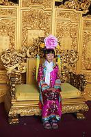 Chine, Pékin (Beijing), Cité interdite, classée Patrimoine Mondial de l' UNESCO, trone de l'empereur // China, Beijing, The Forbidden City, emperor throne