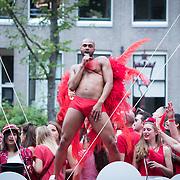 NLD/Amsterdam//20170805 - Gay Pride 2017, danser op de Vodafone boot