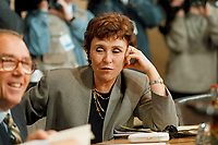 11.01.1999, Deutschland/Bonn:<br /> Edith Cresson, EU-Kommissarin für Wissenschaft, Forschung und Entwicklung, vor der gemeinsamen Sitzung von Bundeskabinett und Europäischer Kommission, NATO-Saal, Bundeskanzleramt, Bonn<br /> IMAGE: 19990111-02/01-06