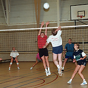 Oliebollentoernooi volleyball in sporthal 3 in 1 Huizen