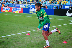 Neymar no aquecimento do amistoso entre Brasil e França no estádio Arena do Grêmio, em Porto Alegre (RS). FOTO: Jefferson Bernardes/Preview.com