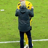 21.11.2020, OLympiastadion, Berlin, GER, DFL, 1.FBL, Hertha BSC VS. Borussia Dortmund, <br /> DFL  regulations prohibit any use of photographs as image sequences and/or quasi-video<br /> im Bild Auswechslung von  Erling Haaland (Borussia Dortmund #9), Cheftrainer Lucien Favre (Borussia Dortmund)<br /> <br />       <br /> Foto © nordphoto / Engler