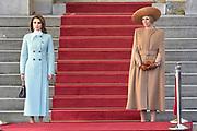 Officieel bezoek Jordanie aan Nederland - Dag 1<br /> <br /> Koning Abdullah II en koningin Rania worden tijdens de welkomstceremonie vergezeld door koning Willem-Alexander en koningin Maxima op Paleis Noordeinde.<br /> <br /> Official visit Jordan to the Netherlands - Day 1<br /> <br /> King Abdullah II and Queen Rania are accompanied during the welcome ceremony by King Willem-Alexander and Queen Maxima at Noordeinde Palace.<br /> <br /> Op de foto / On the photo: K koningin Rania en Koningin Maxima / Queen Rania and Queen Maxima