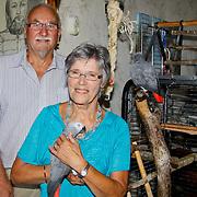 NLD/Huizen/20100730 -50 jarig huwelijk bruidspaar de Jong-Honing in Huizen
