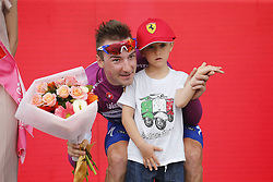 May 5, 2018 - Tel Aviv, ISRAEL - Winner Italian Elia Viviani of Quick-Step Floors pictured with the son of the late Michele Scarponi after the second stage of the 101st edition of the Giro D'Italia cycling tour, from Haifa to Tel Aviv (167km), Israel, Saturday 05 May 2018...BELGA PHOTO YUZURU SUNADA FRANCE OUT (Credit Image: © Yuzuru Sunada/Belga via ZUMA Press)