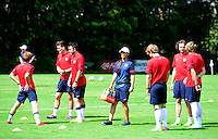Football Fifa Brazil 2014 World Cup Matchs  / <br /> USA - MEN´S NATIONAL TEAM - BRAZIL TRAINING CAMP -<br /> ( January 2014 - Barra Funda Sao Paulo FC Training Center - Sao Paulo , Brazil ) <br /> Barra Funda Sao Paulo FC Training Center , The Usa Players during training ,<br /> woman assistant in rows of the American staff