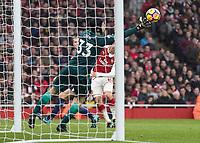 Football - 2017 / 2018 Premier League - Arsenal vs. Tottenham Hotspur<br /> <br /> Petr Cech (Arsenal FC) saves from a Eric Dier (Tottenham FC)  header at The Emirates.<br /> <br /> COLORSPORT/DANIEL BEARHAM