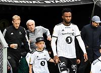 Football UEFA Champions League Q3<br /> Rosenborg - Maribor<br /> Lerkendal Stadium, Trondheim, Norway<br /> 13 August 2019<br /> <br /> Rosenborgs Samuel Adegbenro med sin maskot<br /> <br /> <br /> Foto : Arve Johnsen, Digitalsport