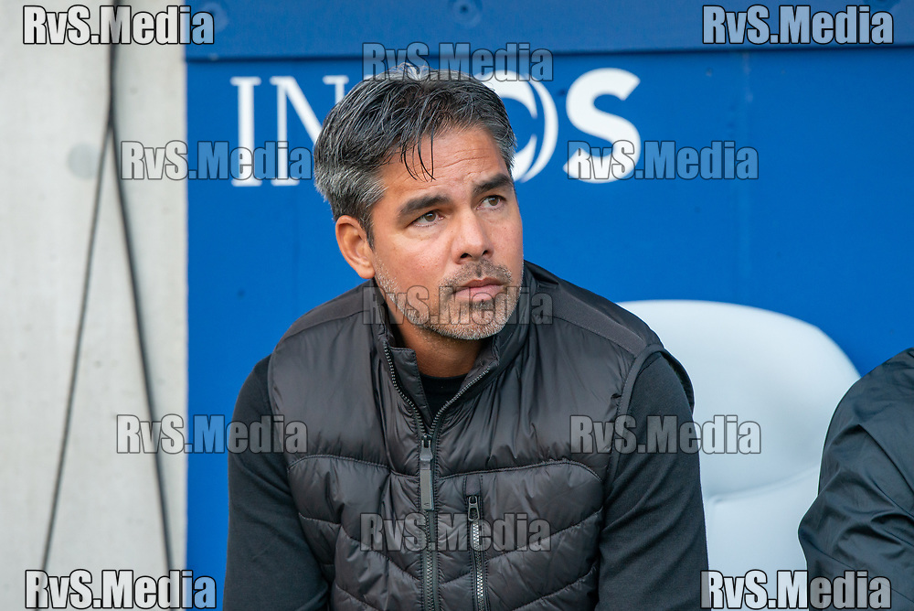 LAUSANNE, SWITZERLAND - SEPTEMBER 22: Head Coach David Wagner of BSC Young Boys looks on during the Swiss Super League match between FC Lausanne-Sport and BSC Young Boys at Stade de la Tuiliere on September 22, 2021 in Lausanne, Switzerland. (Photo by Monika Majer/RvS.Media)
