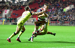 Jon Fisher of Bristol Rugby is tackled by Manu Tuilagi Of Leicester tigers and Owen Williams of Leicester Tigers - Mandatory by-line: Alex James/JMP - 25/11/2016 - RUGBY - Ashton Gate - Bristol , England - Bristol v Leicester tigers - Aviva Premiership