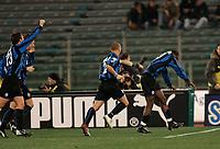 Roma, 12 / 02 / 2005 Campionato di calcio di serie A 2004 - 2005 24a Giornata -  Lazio - Atalanta - nella foto: Makinwa esulta al gol del vantaggio