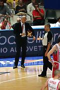 DESCRIZIONE : Varese Lega A1 2006-07 Playoff Quarti di Finale Gara 2 Whirlpool Varese Armani Jeans Milano<br /> GIOCATORE : Aleksandar Djordjevic Arbitro Begnis<br /> SQUADRA : Armani Jeans Milano<br /> EVENTO : Campionato Lega A1 2006-2007 Playoff Quarti di Finale Gara 2<br /> GARA : Whirlpool Varese Armani Jeans Milano<br /> DATA : 19/05/2007 <br /> CATEGORIA : Arbitro Delusione<br /> SPORT : Pallacanestro <br /> AUTORE : Agenzia Ciamillo-Castoria/M.Marchi