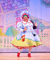 Mother Goose <br /> at the Hackney Empire, London, Great Britain <br /> press photocall<br /> 20th November 2014 <br /> <br /> Clive Rowe as Mother Goose <br /> <br /> <br /> <br /> Photograph by Elliott Franks <br /> Image licensed to Elliott Franks Photography Services