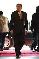 29.04.1999, Deutschland/Bonn:<br /> Gerhard Schröder, SPD, Bundeskanzler, im Foyer, Bundeskanzleramt, Bonn<br /> IMAGE: 19990429-05/01-32<br /> KEYWORDS: Gerhard Schroeder