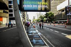 May 1, 2017 - Relógios de rua espalhados pela cidade de São Paulo, homenageiam o piloto brasileiro de Fórmula 1, Ayrton Senna, pelos 23 anos de sua morte em acidente durante prova de corrida. Na foto relógios da Avenida Paulista, região central da cidade. (Credit Image: © Aloisio Mauricio/Fotoarena via ZUMA Press)