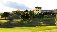 MONTECATINI - Hole 18 op Golfclub Montecatini in Toscane.COPYRIGHT KOEN SUYK Montecatini - Montecatini Golf Club en resort, terme, COPYRIGHT KOEN SUYK