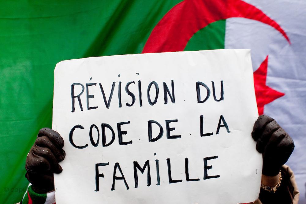 Paris, France. 22 Janvier 2011.Rassemblement Algerien Place de la Republique pour une Algerie democratique...Paris, France. January 22nd 2011..Gathering for democracy in Algeria......