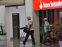 Assalto ao banco Santander no interior da Unissinos, em São Leopoldo. FOTO: Jefferson Bernardes/Preview.com