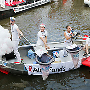 NLD/Amsterdam/20080802 - Canal Parade 2008 Amsterdam, boot Aidsfonds