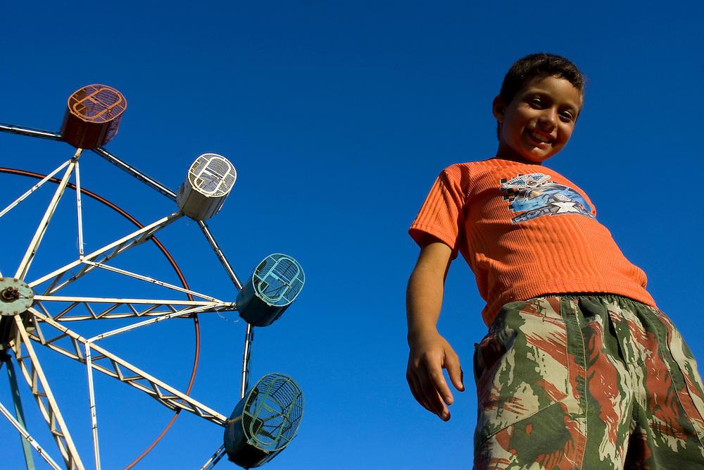 Ouvidor_GO, Brasil...Roda gigante em um parque de diversoes em Ouvidor...The Ferris wheel at an amusement park in Ouvidor...Foto: MARCUS DESIMONI / NITRO.