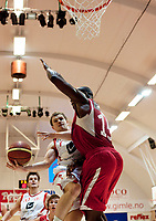 Basket<br /> 2. Januar 2011<br /> BLNO<br /> Gimlehallen<br /> Gimle - Ulriken Elite 89 - 102<br /> Audun Eskeland (L) , Ulriken Elite<br /> Peter Bullock (R) , Gimle<br /> Foto : Astrid M. Nordhaug