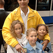 NLD/Amsterdam/20060626 - Premiere Over the Edge, John Jones en kinderen Amber, Tim, Jesse