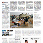 """Tearsheet (Feature story) of """"Egypt: O voto é a arma do povo?"""" published in Expresso"""