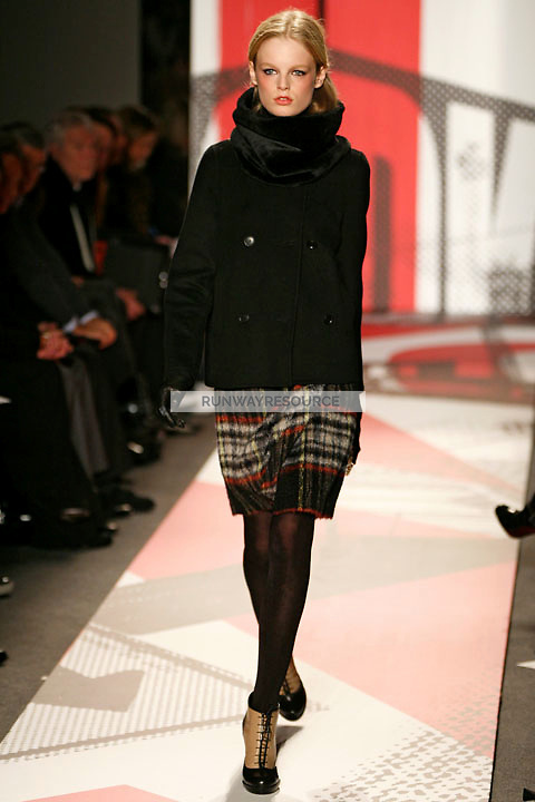 Hanne Gaby Odiele wearing the DKNY Fall 2009 Collection