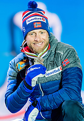 23.02.2019, Medal Plaza, Seefeld, AUT, FIS Weltmeisterschaften Ski Nordisch, Seefeld 2019, Skiathlon, Herren, 30km, Siegerehrung, im Bild Bronzemedaillengewinner Martin Johnsrud Sundby (NOR) // Bronce medalist Martin Johnsrud Sundby of Norway during the winner Ceremony for the men's 30km Skiathlon competition of FIS Nordic Ski World Championships 2019 at the Medal Plaza in Seefeld, Austria on 2019/02/23. EXPA Pictures © 2019, PhotoCredit: EXPA/ Stefan Adelsberger