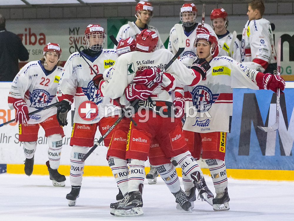 Rapperswil-Jona Lakers forward Nicola Meier (#12) is being celebrates by his teammates after scoring the winning goal during the penalty shootout during an Elite B Regular Season ice hockey game between EHC Winterthur and Rapperswil-Jona Lakers in Winterthur, Switzerland, Sunday, Oct. 15, 2017. (Photo by Patrick B. Kraemer / MAGICPBK)
