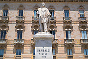 Statue monument to Guiseppe Garibaldi in front of the Grand Hotel in Piazza Garibaldi, Trapani, Sicily, Italy