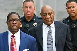 August 22, 2017 - Norristown, Pennsylvania, U.S -  BILL COSBY with spokesperson ANDREW WYATT leaving the Court House after a pre-trail hearing in Montgomery County. Cosby's retrial on sexual assault charges will be delayed until the spring to allow his new high-profile legal team to get up to speed. (Credit Image: © Ricky Fitchett via ZUMA Wire)
