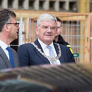 NLD/Utrecht/20190308  - Willem-Alexander geeft het startsein vd 'Week voor de Gezonde Jeugd', Burgemeester Jan van Zanen