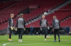 Keeper-opvarmning før UEFA Nations League kampen mellem Danmark og England den 8. september 2020 i Parken, København (Foto: Claus Birch).
