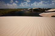 Extremoz_RN, Brasil...Na foto, a lagoa de Genipabu in Extremoz, Rio Grande do Norte...Genipabu lake in Extremoz, Rio Grande do Norte...Foto: LEO DRUMOND / NITRO