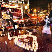 Nederland, Amsterdam , 24 december 2011..Kerstavond bij de Occupy beweging op het Beursplein..Foto:Jean-Pierre Jans