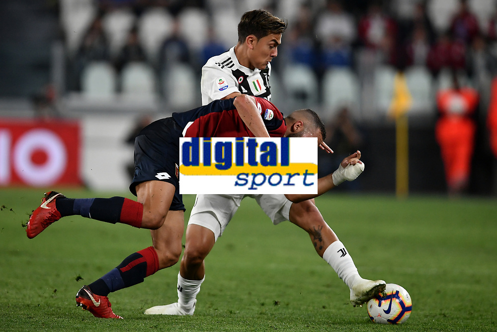 Davide Biraschi of Genoa and Paulo Dybala of Juventus compete for the ball during the Serie A 2018/2019 football match between Juventus and Genoa CFC at Allianz Stadium, Turin, October, 20, 2018 <br />  Foto Andrea Staccioli / Insidefoto